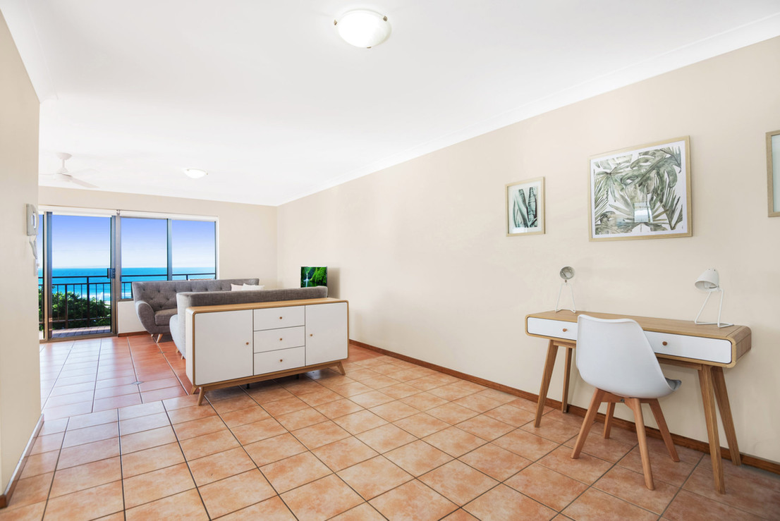 Apartment 4 - Study