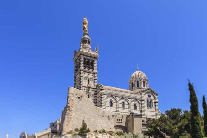 FRANÇA - Porta de entrada da Provença, Marselha é destino que se reinventa