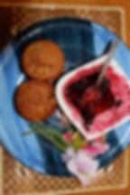 Cakes & berries