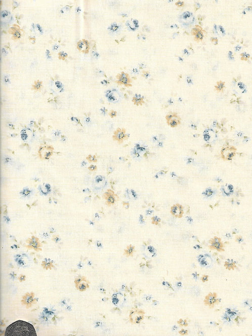 Medium Cream & Blue Roses on Cream A0739 Nutex 21490