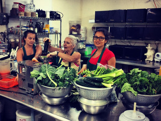 Join us in March to make and eat 4 uncooked, plant-based meals a day++