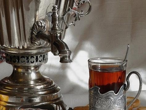 Tea drinking tradition: ПОДСТАКАННИК