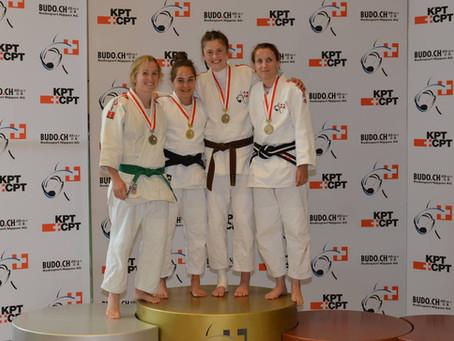 Aline Erni gewinnt Doppelgold an der Schweizermeisterschaft im Ju-Jitsu
