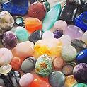 イベントに向け今日も作業に没頭です(_^^_)_沢山の天然石と共にお待ちしており