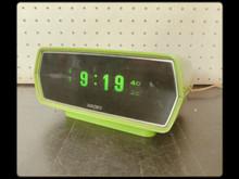 パタパタ置き時計