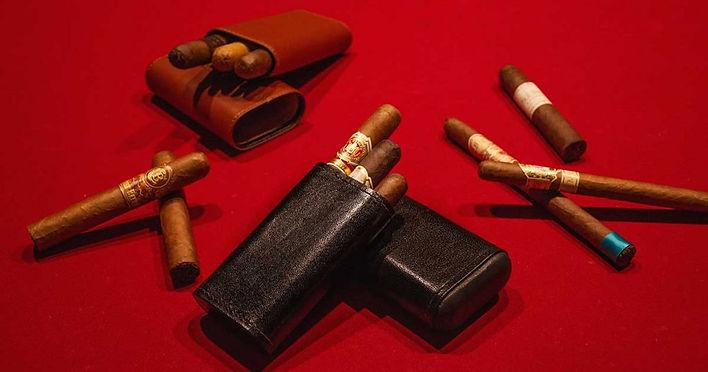 bulldog-cigar-accessories-4-1024x538.jpg