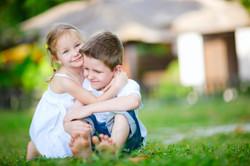 Tips-for-Managing-Back-To-Back-Kids.jpg