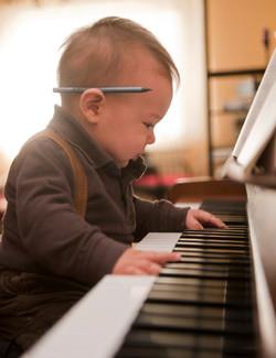 piano_baby.jpg