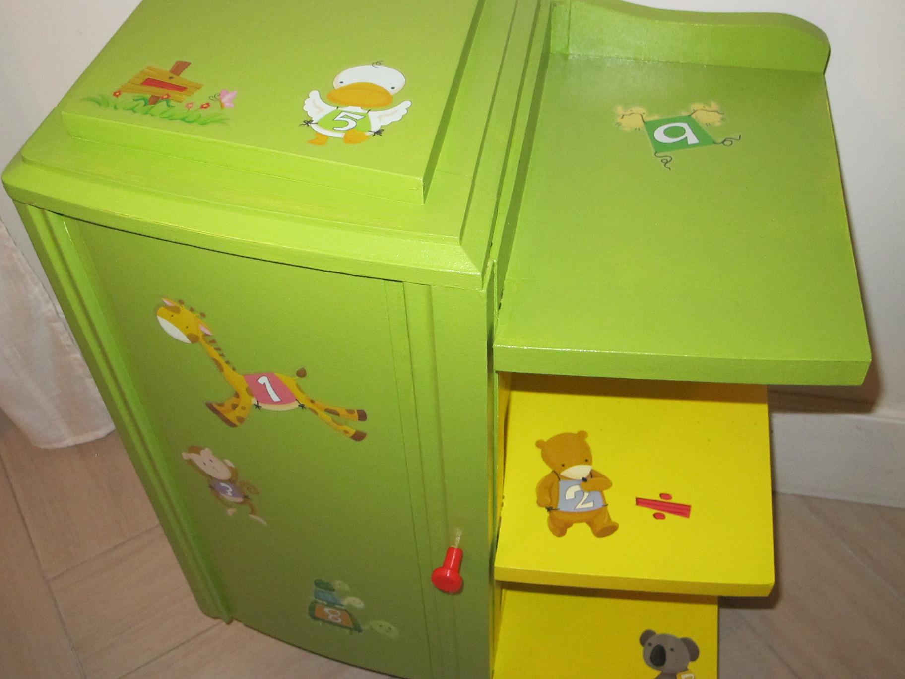 chevet enfant jaune et vert