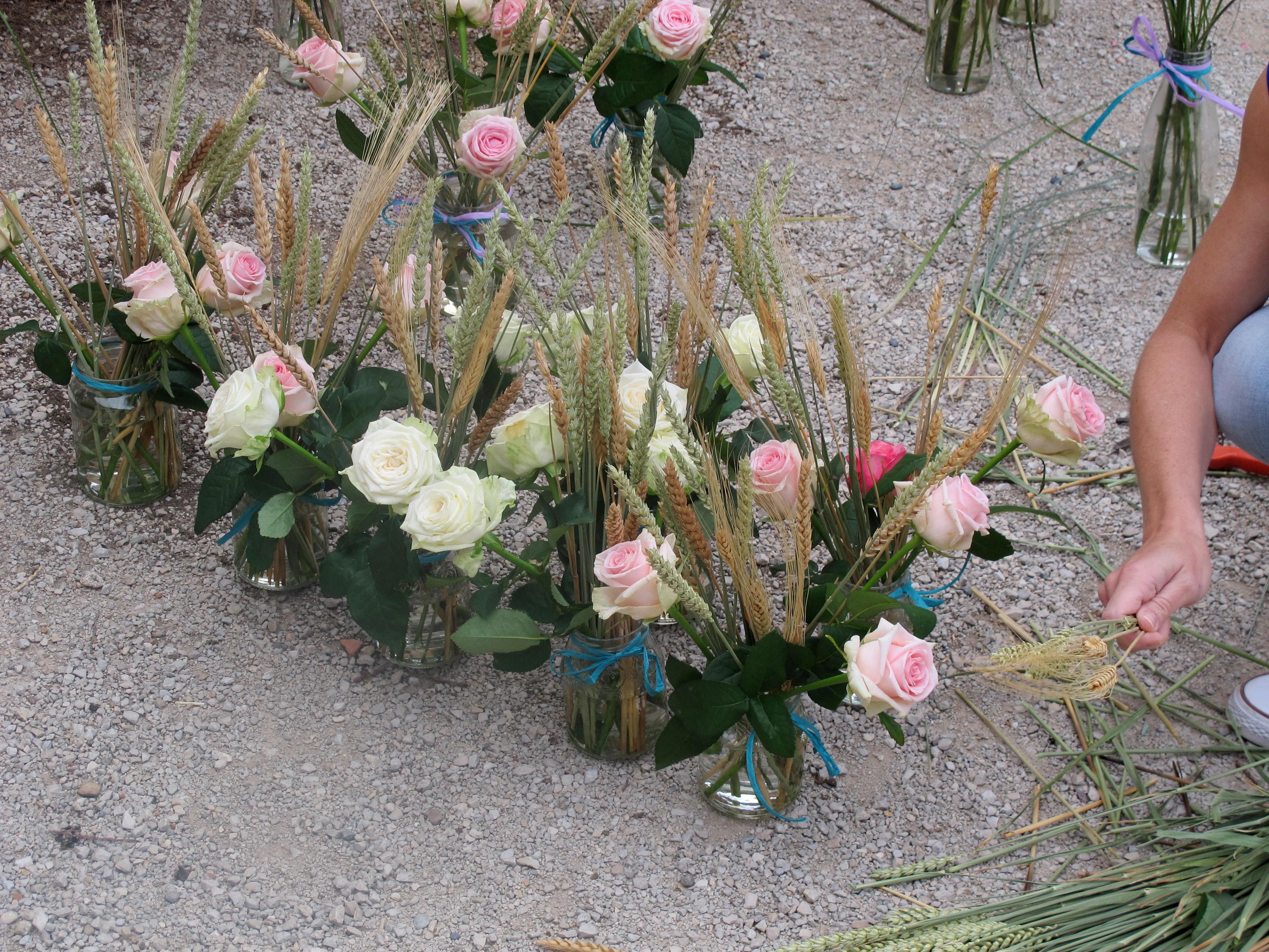 bouquet blé et boutons de rose