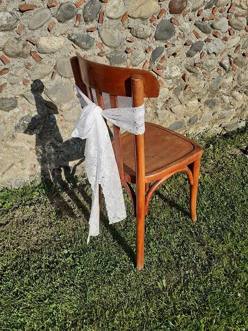 Ceinturage de chaise en dentelle