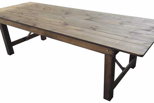 Table en bois sans nappage