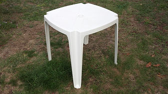 table_en_plastique_côté76.jpg