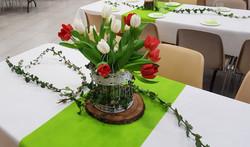 centre de table avec tulipes