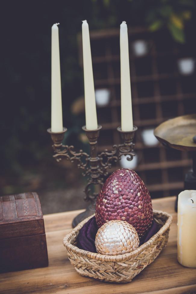 chandelier en laiton et bougies