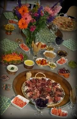 tapas, olives et charcuterie