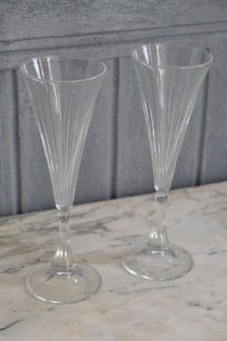 2 jolies flûtes à champagne