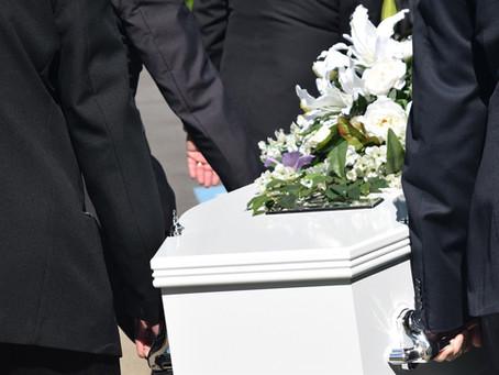 Obsèques : organiser une réception après les funérailles