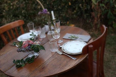 table ronde en bois.JPG