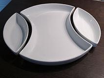 location de divers plats de présentation (porcelaine, bois, inox...)