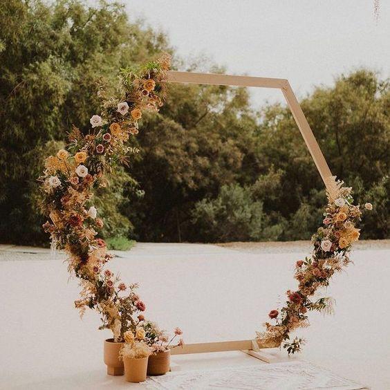 arche en bois fleurs séchées