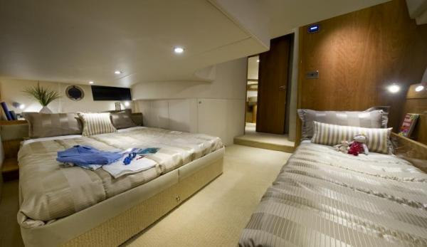 riv 43 open berth