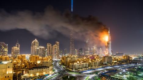 Компания из ОАЭ приступила к производству невоспламеняющейся облицовки для небоскребов.