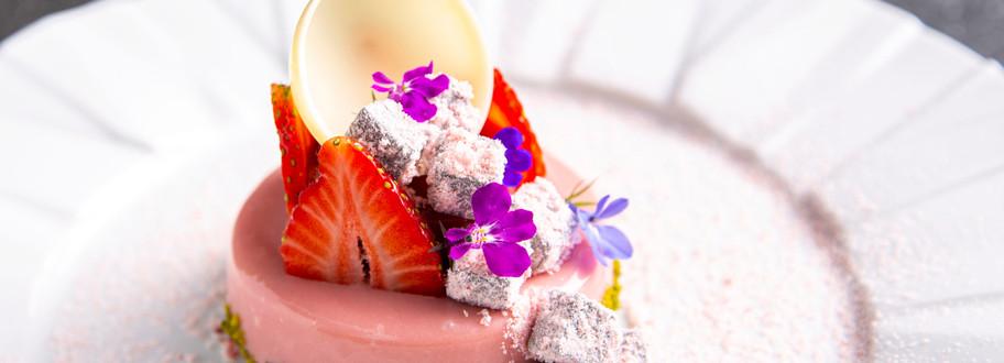 草莓慕斯 羅勒果凍 義式老酒醋棉花糖
