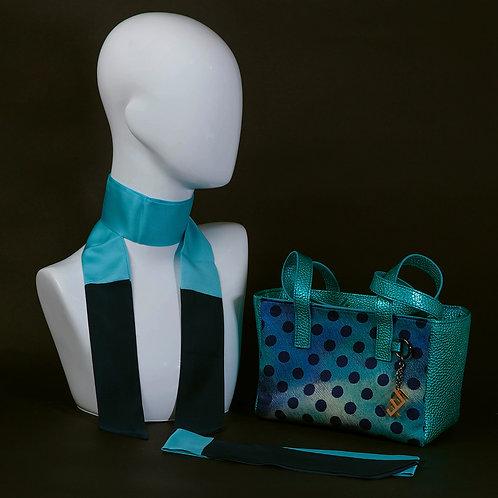Borsa a spalla in vera pelle e inserti in seta con stampa geometrica con manici in vera pelle