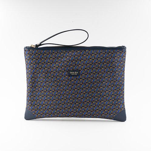 pochette borsa a manoin seta blu con stampa geometrica e finiture in pelle
