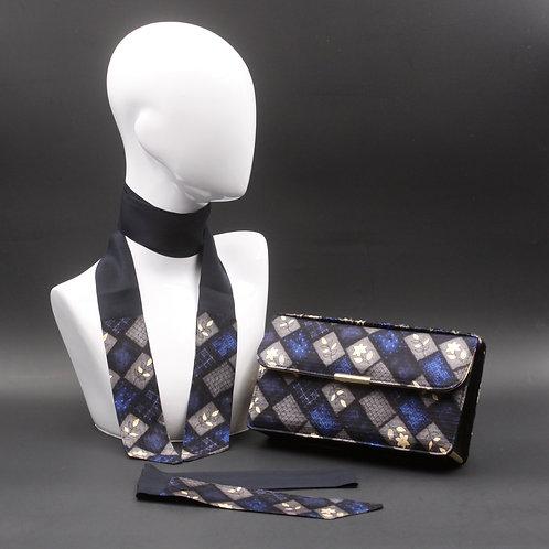 Clutch bag nera, pochette rigida in seta con stampa geometrica floreale blu e grigia, inclusi2 foulard da collo abbinati