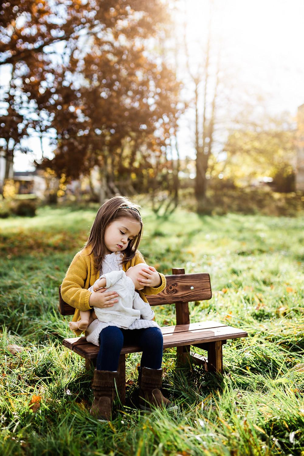 Stillen ist Liebe, Geschwisterfoto Geschwisterfotos Stuttgart Herbst Fotoshooting Geschwistershooting