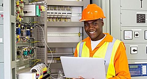 Installateur-electricien-metier-650x-650