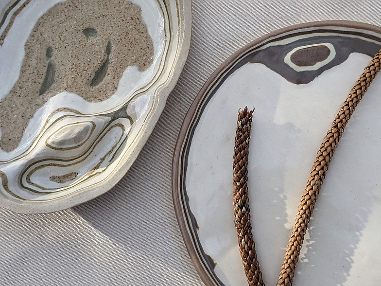 Estratos-platos-closeup-adrianamachadost