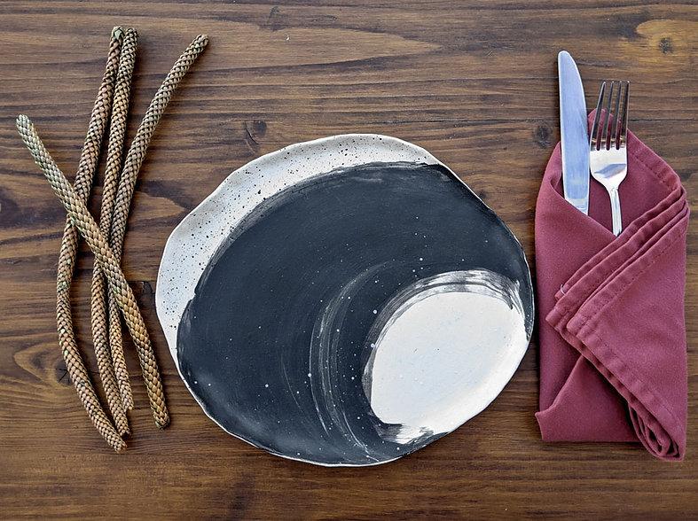 plato-con-cubiertos-ola-adrianamachadost