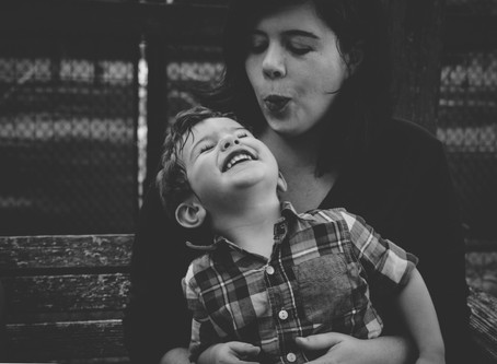 7 Things I Love and Look For at Family Photo Sessions