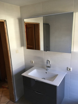 Waschtisch-Anlage