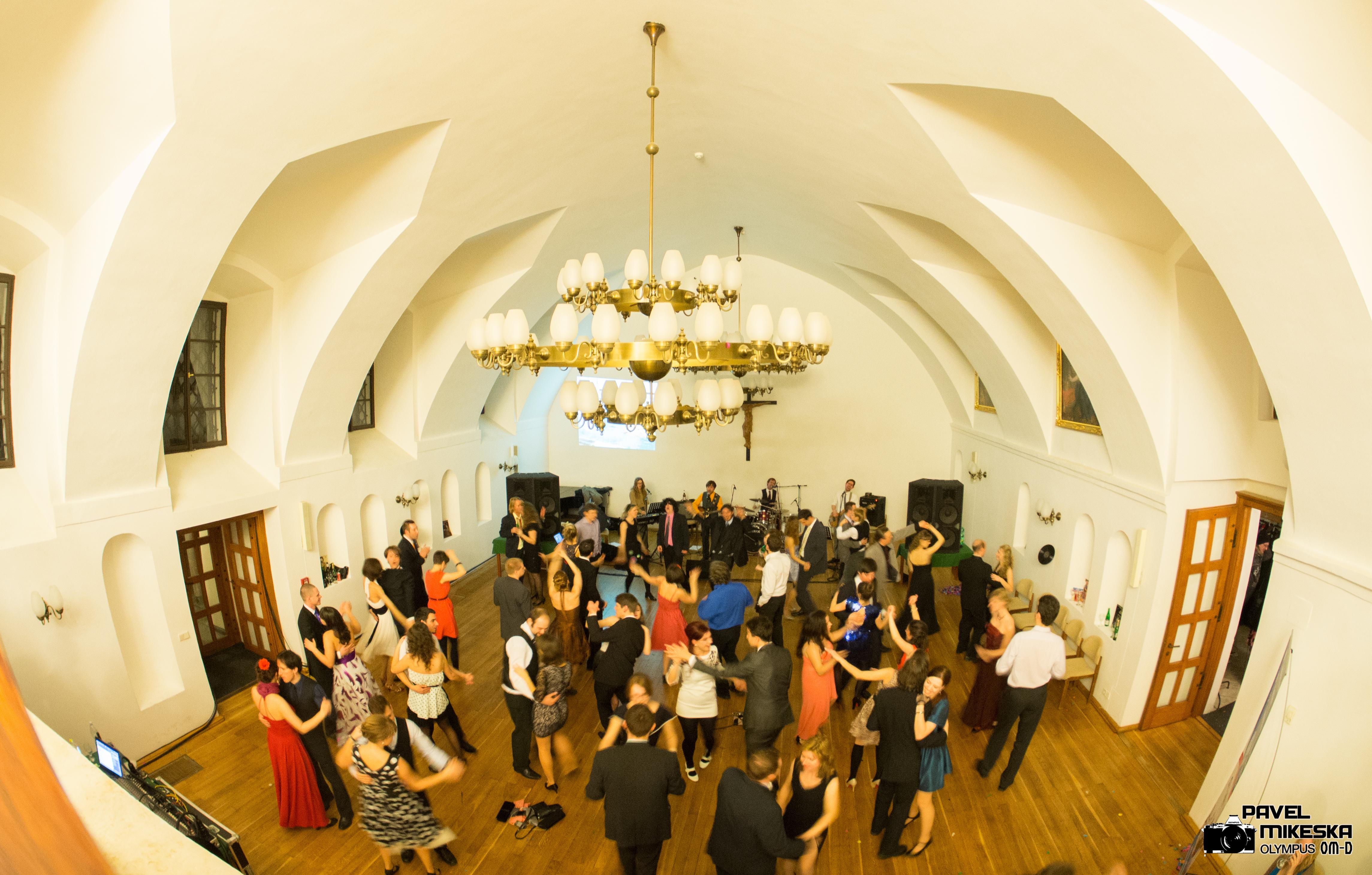 9. reprezentační ples Katolické teologické fakulty Univerzity Karlovy v Praze 2014