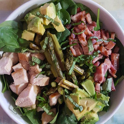 Chicken bacon salad with roasted veggie