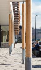 PeetersJef.be - Ronde houten kolommen Carrefour Zemst