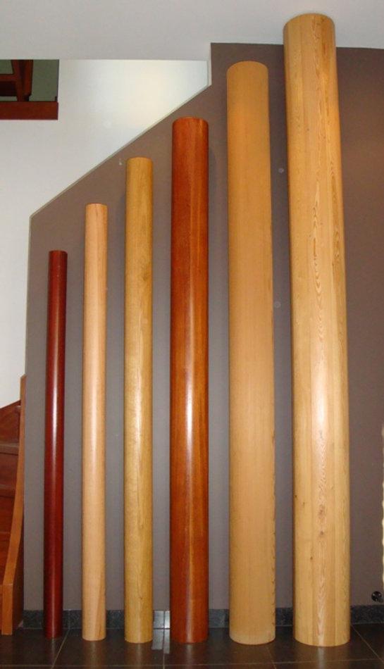 Verschillende soorten ronde houten kolommen