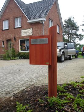 PeetersJef.be Houten Brievenbus (2).JPG