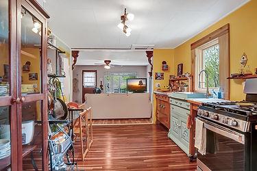 414 Kitchen 3.jpg
