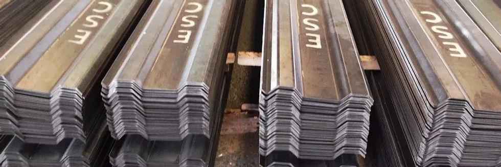 Tablestacas utilizadas en un proyecto de construcción