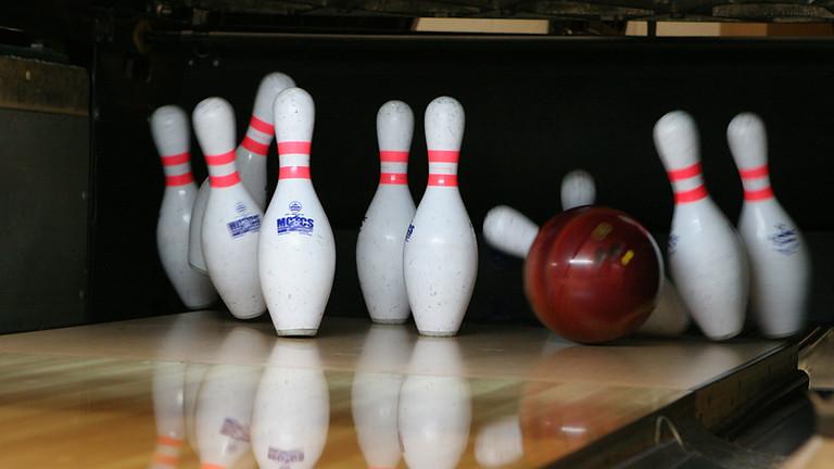 Bowling oder Kegeln