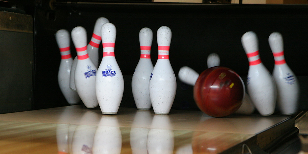 Outdoor Bowling (bowling or ring toss)