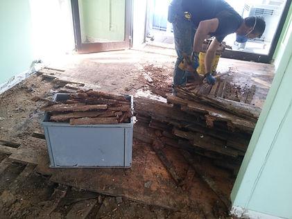 rimozione vecchio pavimento legno