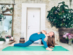 Eleanor Gisele yoga teacher and osteopath