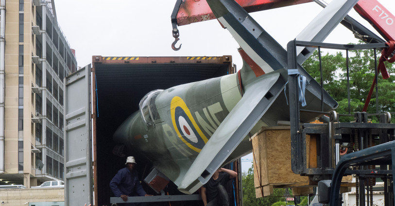 Unloading the Spitfire Tribute