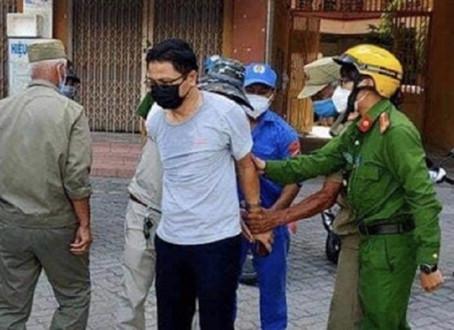 Phó Chánh VP Đoàn ĐBQH và HĐND TP.Đà Nẵng có quyền tát nhân viên y tế lấy mẫu xét nghiệm?